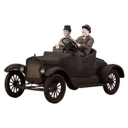 Figura de colección Infinite Statue, el Gordo y el Flaco en la Ford T 1/12 (2020)