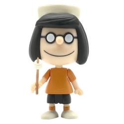 Figura Peanuts® Super7 ReAction, Marcie campamento