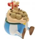 Figurine tirelire de collection Plastoy: Obélix assis sesterces 80002 (2007)