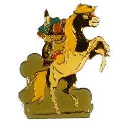 Pin's de Yakari montando su caballo Pequeño Trueno dorado (Casterman 92)