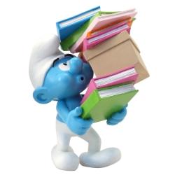 Figura de colección Plastoy: El Pitufo con una pila de libros 00180 (2017)