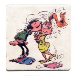 Collectible marble sign Gaston Lagaffe kissing Mme Jeanne (10x10cm)