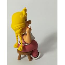 Figurine de collection Fariboles Astérix Bonemine en train de coudre BON (2017)