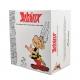 Collectible Figurine Plastoy: Astérix next to a pile of comics 00128 (2018)