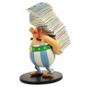 Figurine de collection Plastoy: Obélix portant une pile d'albums 00124 (2016)