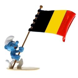 Figurita Pixi Los Pitufos, Pitufo portador de la bandera belga 6470 (2020)
