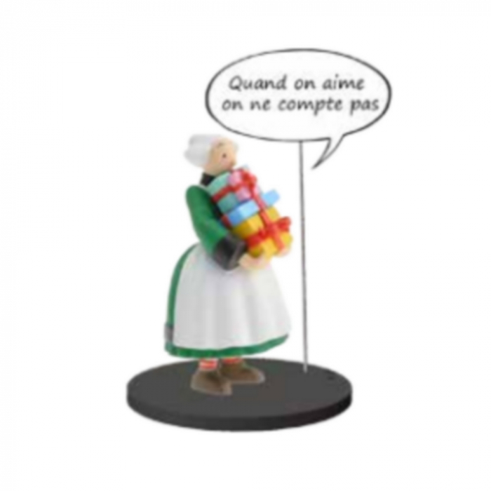 Collectible figure Plastoy Bécassine with a stack of gifts 66600 (2020)